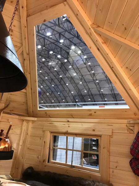 Dachfenster aus Isoglas in der Grillkota 12 m²