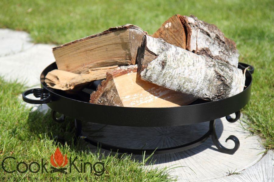 Feuerschale Malta mit Holz befüllt