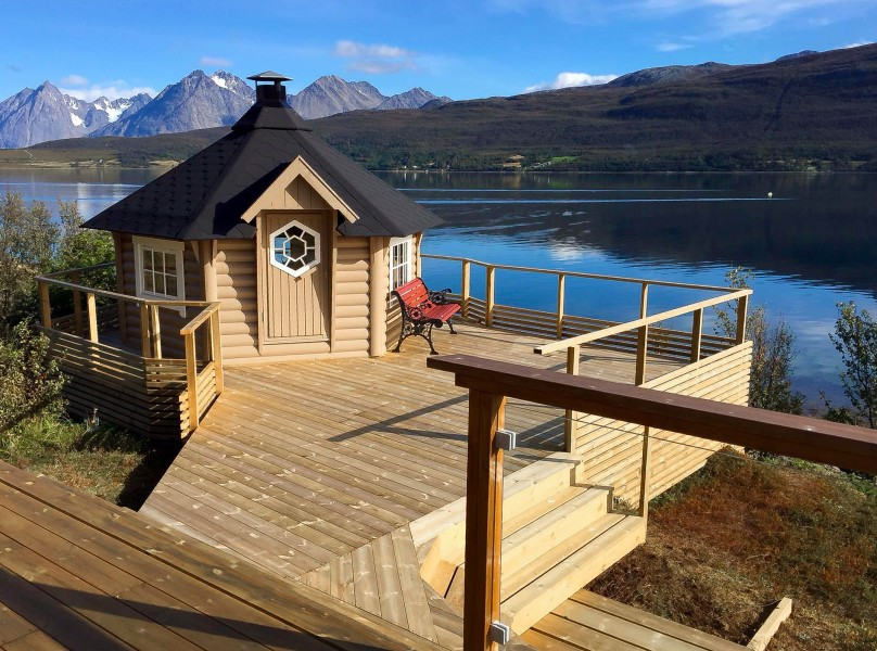 Grillkota 9 m² idyllisch am See mit großer Terrasse