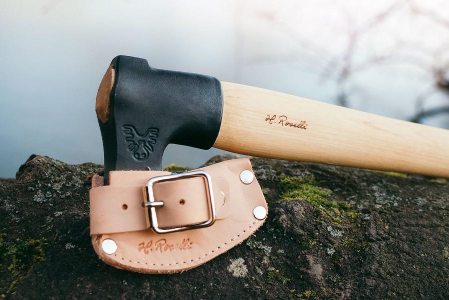 Handgearbeitet, hochwertig und langlebit - mit Halfter aus Echtleder - Roselli R850