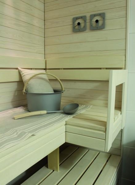 Sauna-Bankunterlage auf der Saunabank in der Sauna daheim