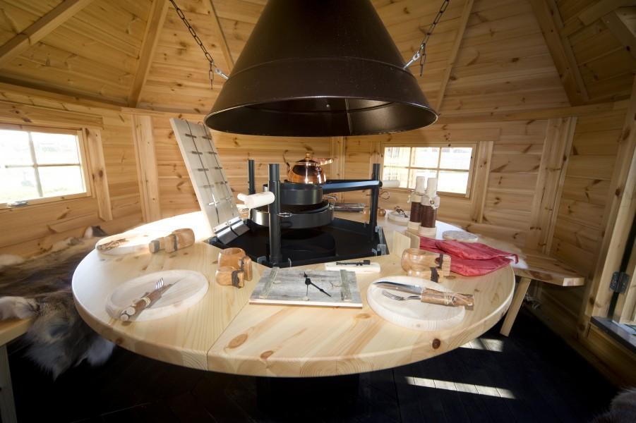 großer, runder Tisch anstatt der kleinen Tische mit Lappland-Set