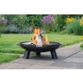 Feuerschale HARRI mit Feuer im Einsatz - im Garten