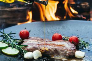 Steak Braten auf der Muurikka